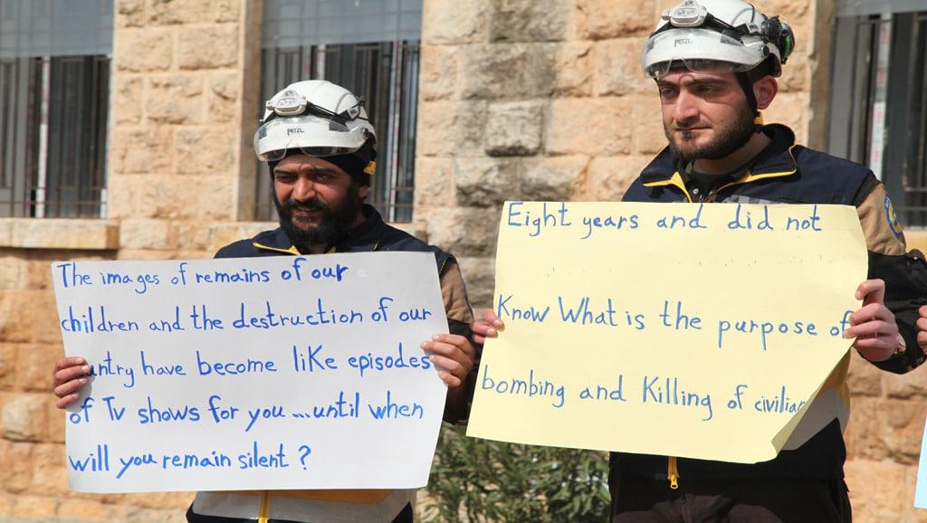إدلب الدفاع المدني يتضامن مع المناطق التي تتعرض للقصف شبكة جيرون