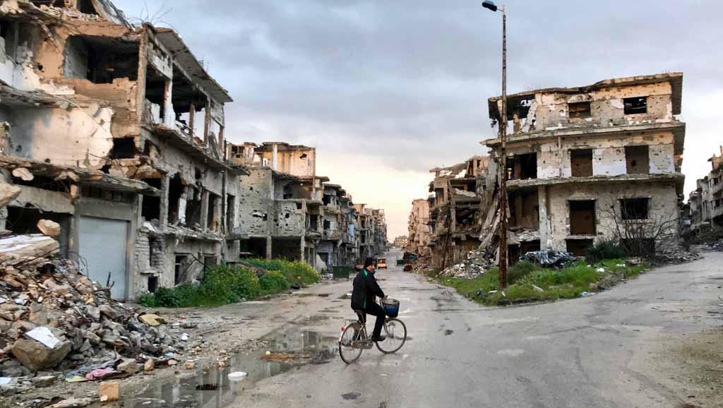 اليوم مررت ببيتكم في سورية لكن لم يكن فيه أحد style=